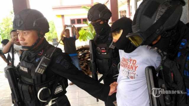 HEBOH!! Serentak Hari Ini, Densus 88 Tangkap Enam Terduga Teroris di Serpong, Payakumbu dan Deli Serdang