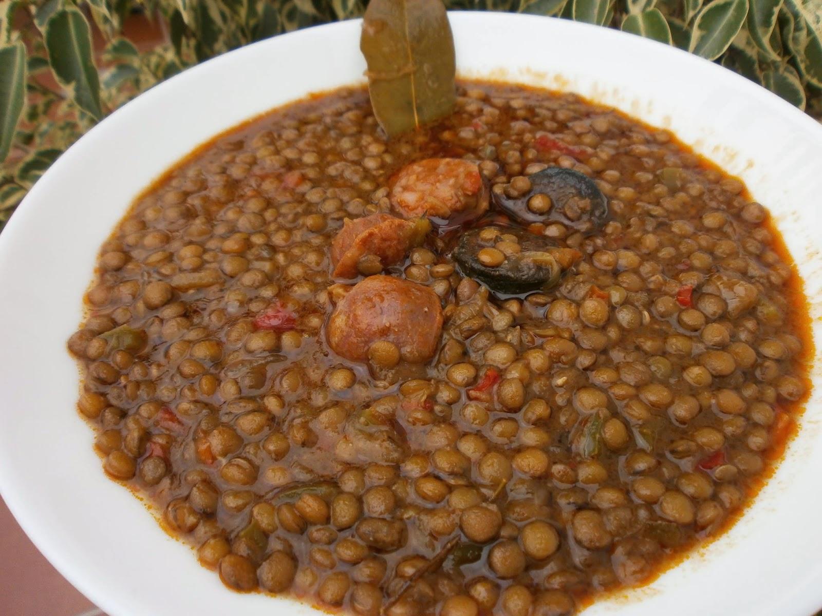 Luzmary y sus recetas caseras lentejas compuestas con - Lentejas con costillas y patatas ...