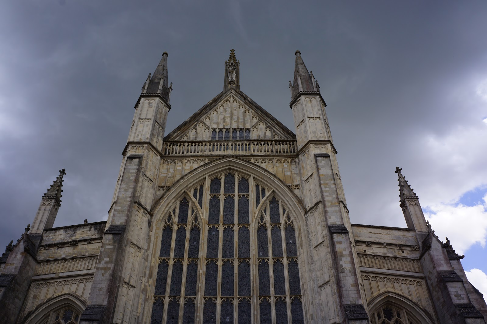 winchester cathedral on a cloudy day