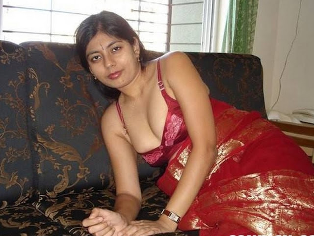 Naked house wife images