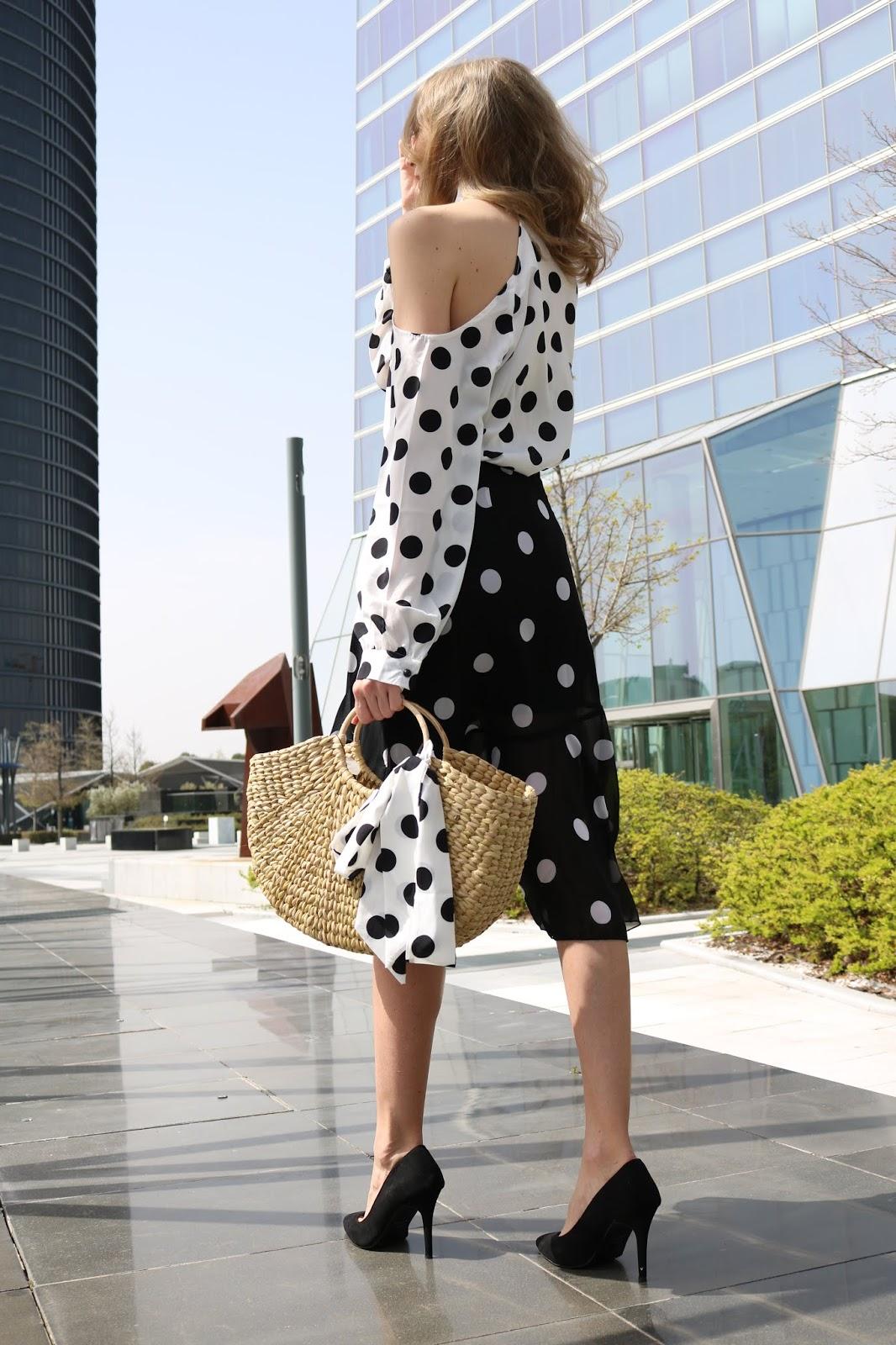 polka-dots-street-style-midi-skirt-nakd-shein-zara-raffia-bag
