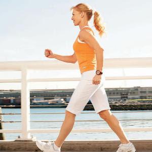 "<img src=""caminar.jpg"" alt=""mujer caminando para mejorar su digestion"">"