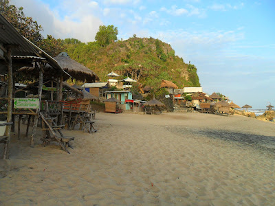 review-pantai-watulawang