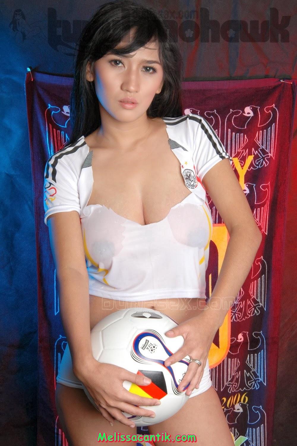 Indonesian Football Girl - Foto Model Seksi Pakai Jersey -2062