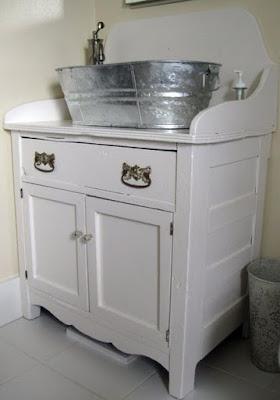 Cômoda na lavanderia