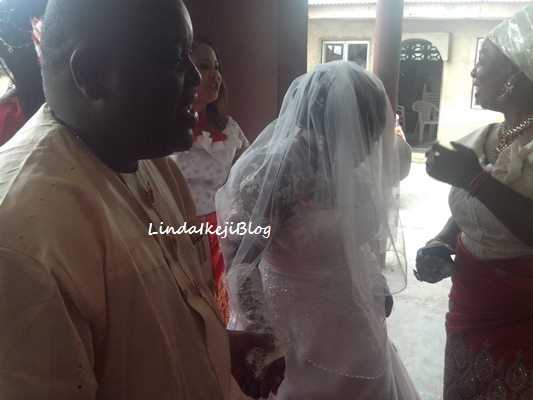 IMG 20130413 112402 Chaos: Wife of Nigerian actor, Solomon Akiyesi disrupts his wedding to pregnant mistress