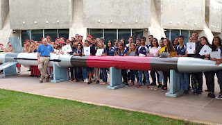 Astronauta desafia estudantes de Brasília