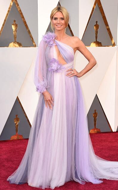Top 5 das mais vestidas  Óscares Heidi Klum vestida por Marchesa