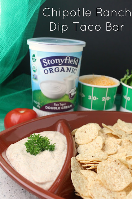 Chipotle Ranch Dip Taco Bar #StonyfieldBlogger from LoveandConfections.com