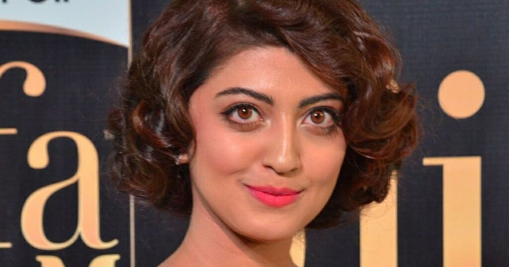 South Indian Actress Pranitha Subhash Hairstyle Ideas