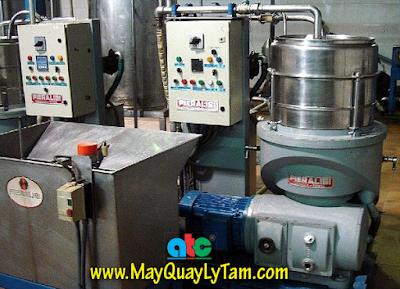 Hình ảnh máy ly tâm trục đứng Pieralisi (Ý) trong dây chuyền tách dầu ô liu