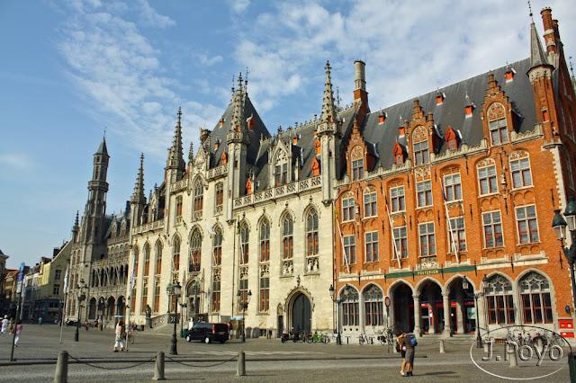 Palacio del Gobierno Provincial, o Landhuis en la Grote Markt de Brujas