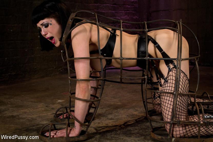 Бдсм флагеляция рабыни фото 258-915