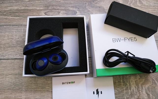 BlitzWolf BW-FYE5: accesorios incluidos en la caja
