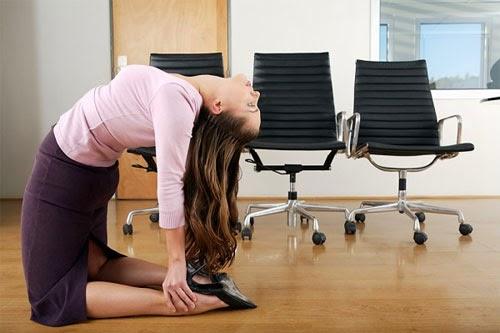 Nguyên nhân và mẹo chữa đầy bụng khó tiêu cho dân văn phòng