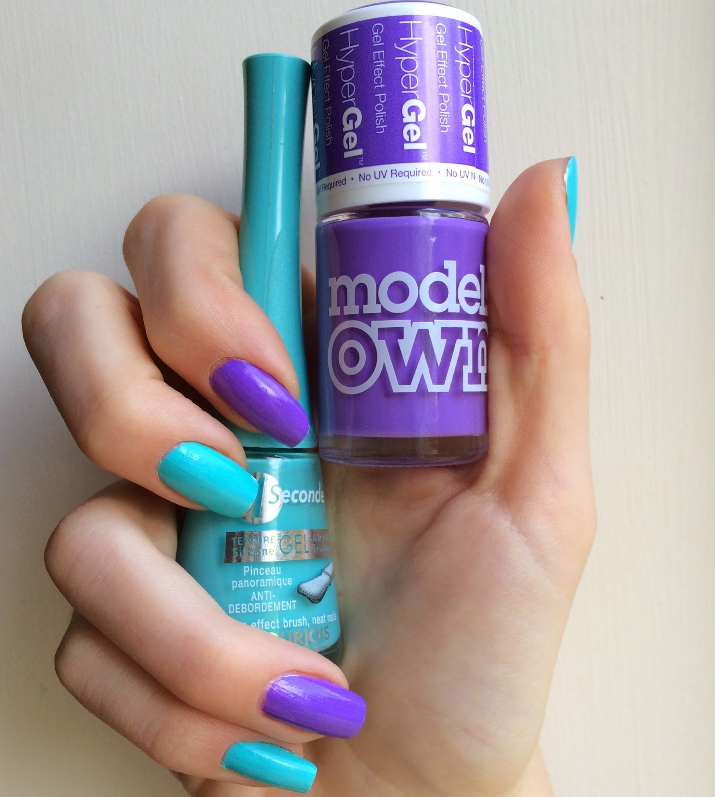 Models-own-hypergel-purple-glare-bourjois-blue