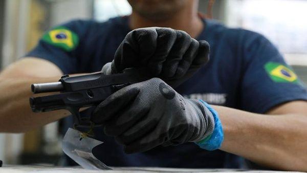 Oposición de Brasil rechaza decreto sobre tenencia de armas