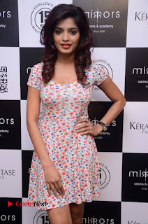 Actress Sanchita Shetty Pictures at Mirrors Salon App Launch Event 0003.JPG