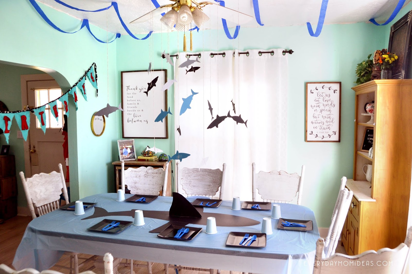 Simple Shark Decorations We Decided To Only Decorate The Dinning Room Everything You See Was Purchased At Dollar Store My Favorite Part