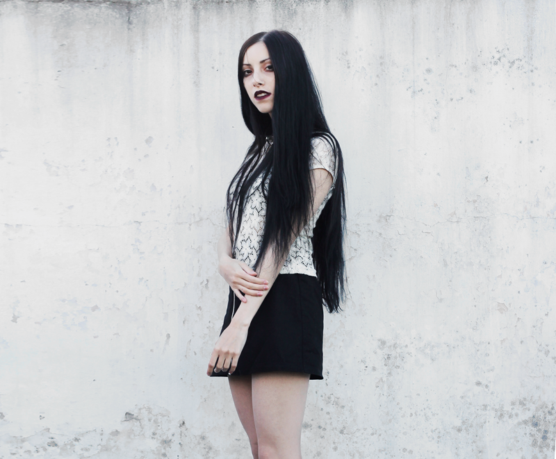fashion, outfit, black and white, lace, blogger, moda, black hair, lune, nocturne, blog