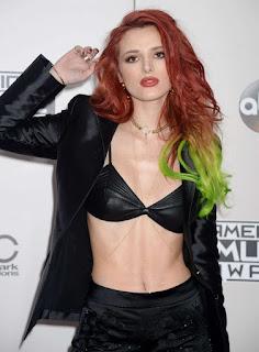 Hollywood Actress Bella Thorne At American Music Awards (1)