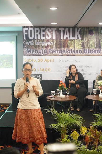 Atiek Widayati (Yayasan Tropenbos Indonesia)