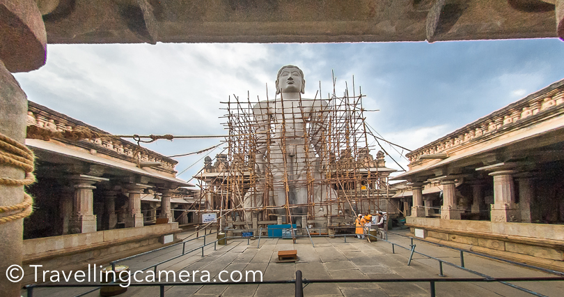 When I visited Saravanbelagola, this place was under renovation and mainly the Bahubali statue at the top of the hill.