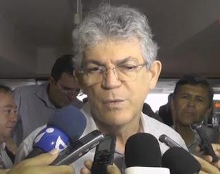 Ricardo Coutinho manda recado para Cássio e garante que governo não chegará frágil em 2018
