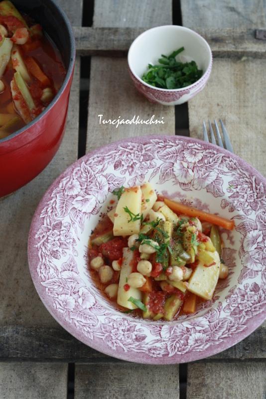Zimowa potrawka warzywna / Kış güveci