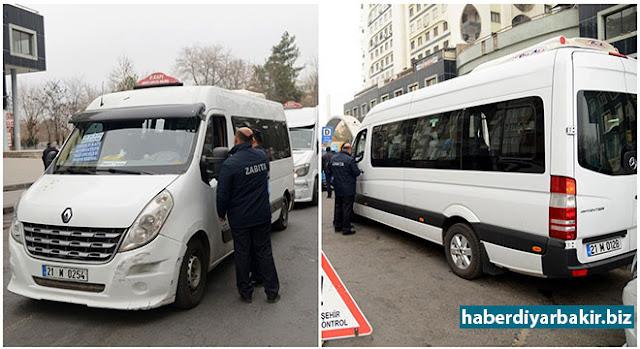 DİYARBAKIR-Diyarbakır Büyükşehir Belediyesi Zabıta Trafik ekipleri, yolcuların daha rahat yolculuk yapabilmesi için toplu ulaşım hizmeti veren araçlarda denetimleri sıklaştırdı.