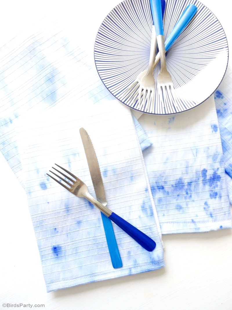 DIY Easy Watercolor Napkins - BirdsParty.com