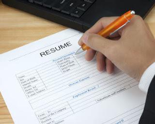 Kamu hanya bergantung pada apa yang tertulis pada resume-mu