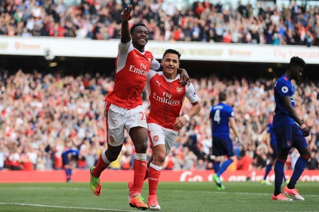 Arsenal 2-0 MU : Saling Memutus Rekor