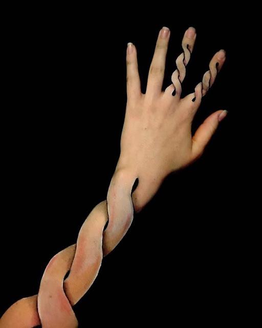 Ilusión óptica en mano