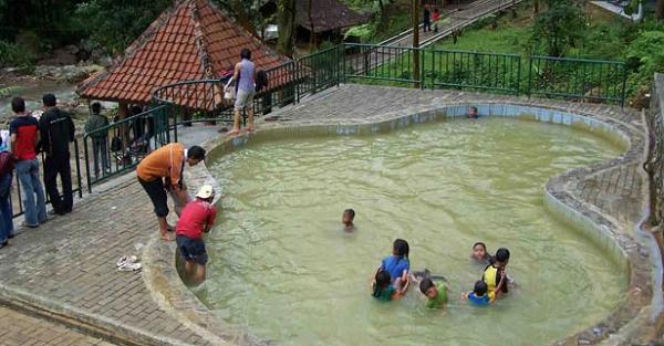 Tempat Wisata Alam di Bogor air panas ciparay