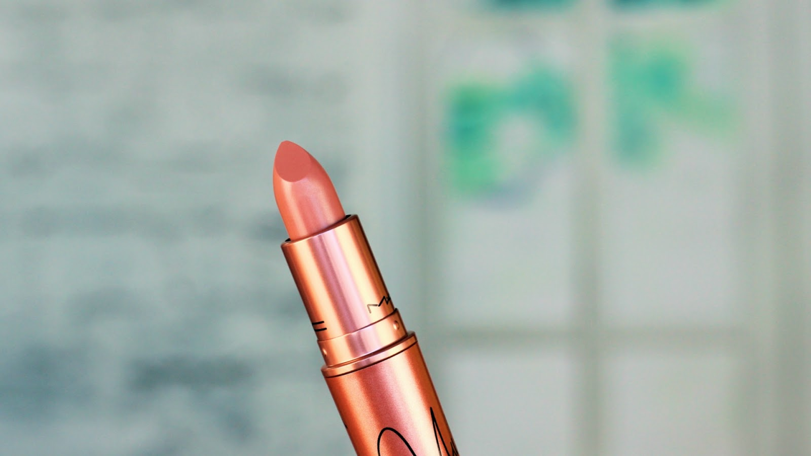 Full Review Of Nicki Minaj X MAC Lipstick...A Month Later
