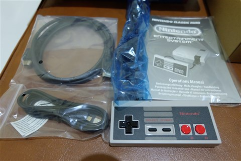Unboxing NES Classic Mini North American and PAL Versio