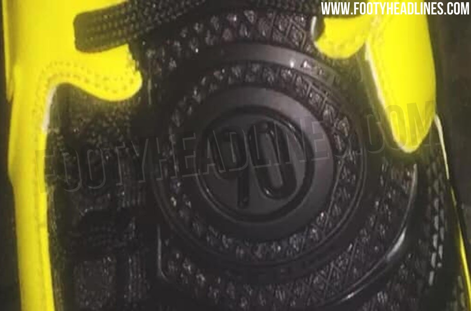 66d5e475ec7c3 New Picture - Nike Total 90 Laser Remake Boots Leaked