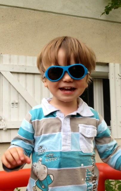Cette superbe paire de lunettes porte un nom de super héros   les Babiators  originals. Mon fils les a tout de suite adoptés. Voici le résultat du crash  test ... 2ff6874c6d67
