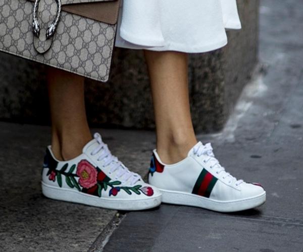 çiçekli-sneaker-modelleri