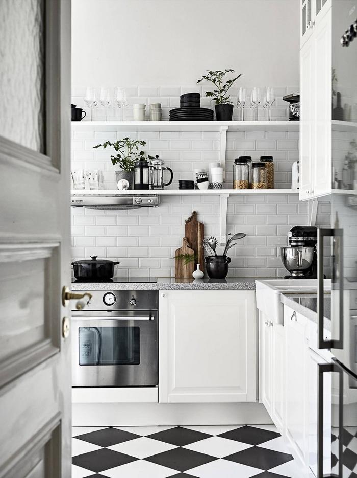 Deco cocina con suelo de ajedrez y azulejo metro with - Azulejo metro cocina ...