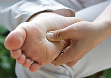 Nguyên nhân tê tay chân