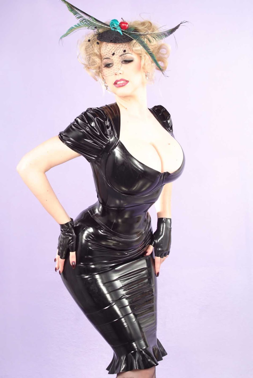 Morphed Babes Hot Latex-5510