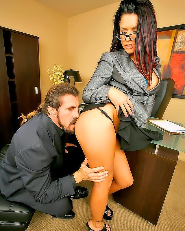 Girl suck big cock in job