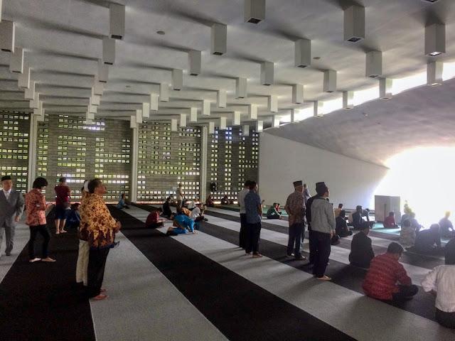 masjid al-irsyad satya kota baru parahyangan