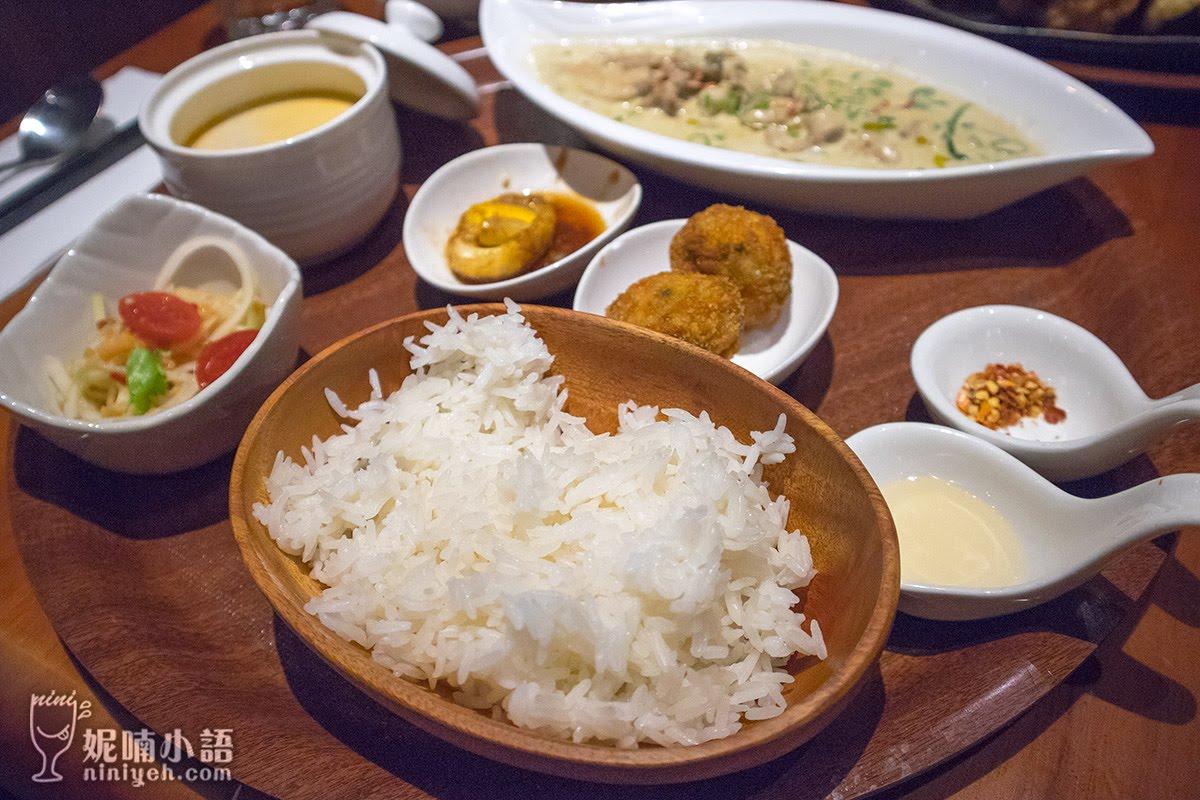 【台北南港】THAIHAND右手餐廳。新泰式風格膳食料理