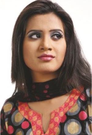 Bangladeshi actress mim hottest cutpiece movie seen from 2004 - 3 6