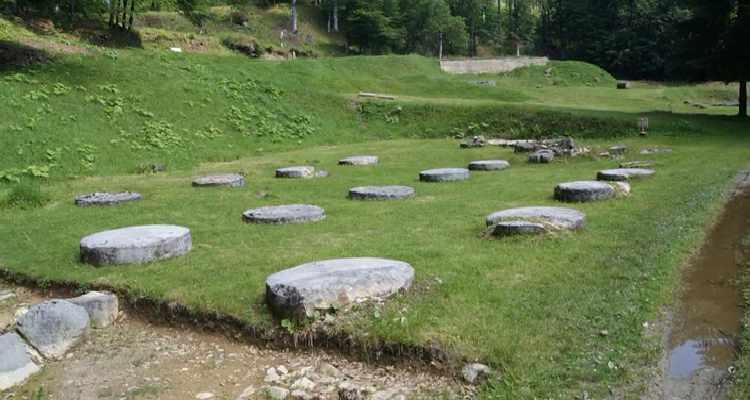 Ruinele cetății Sarmizegetusa Regia