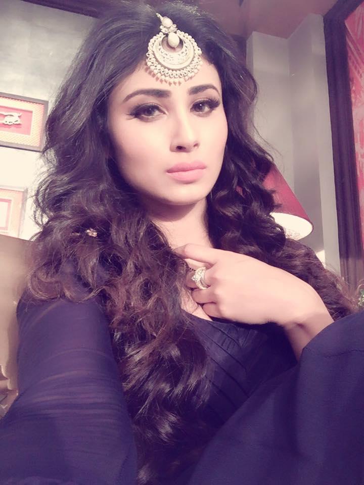Cum tribute to bollywood actress and slut priyanka chopra - 2 3