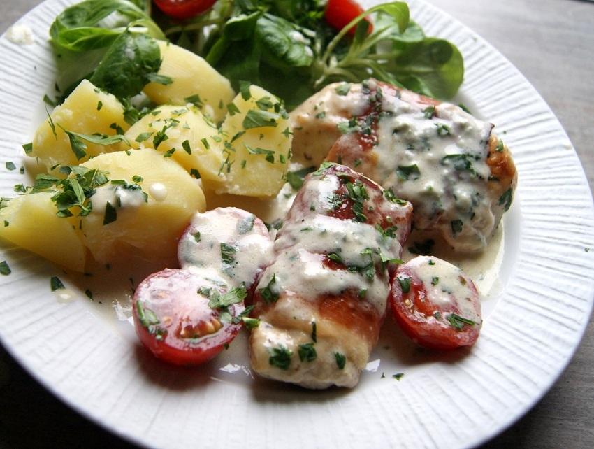 Filety z kurczaka w sosie z gorgonzolą